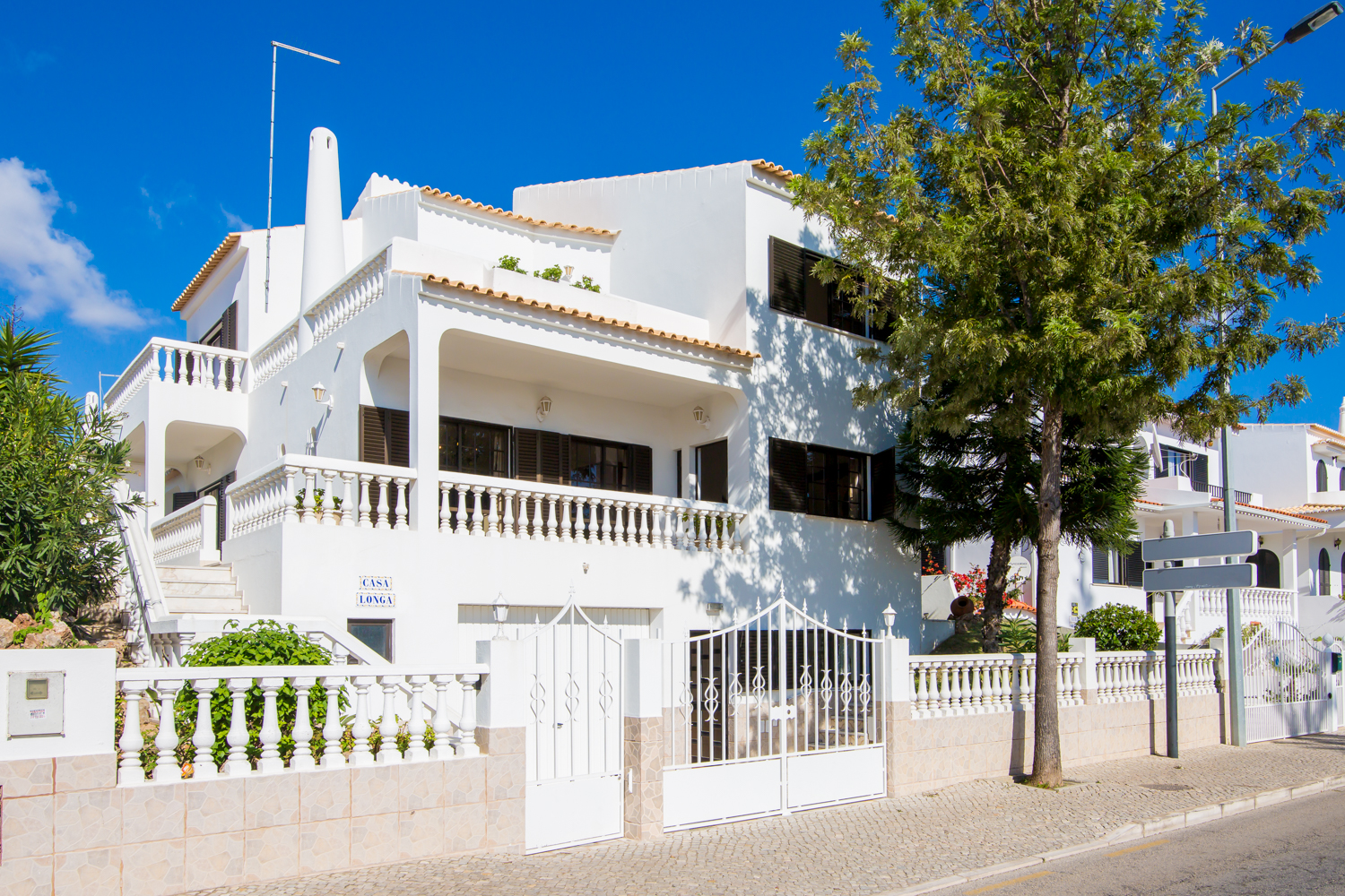 Large, Forte Sao Joao Villa has sea views, 350 metres from sandy beach. 3 floor