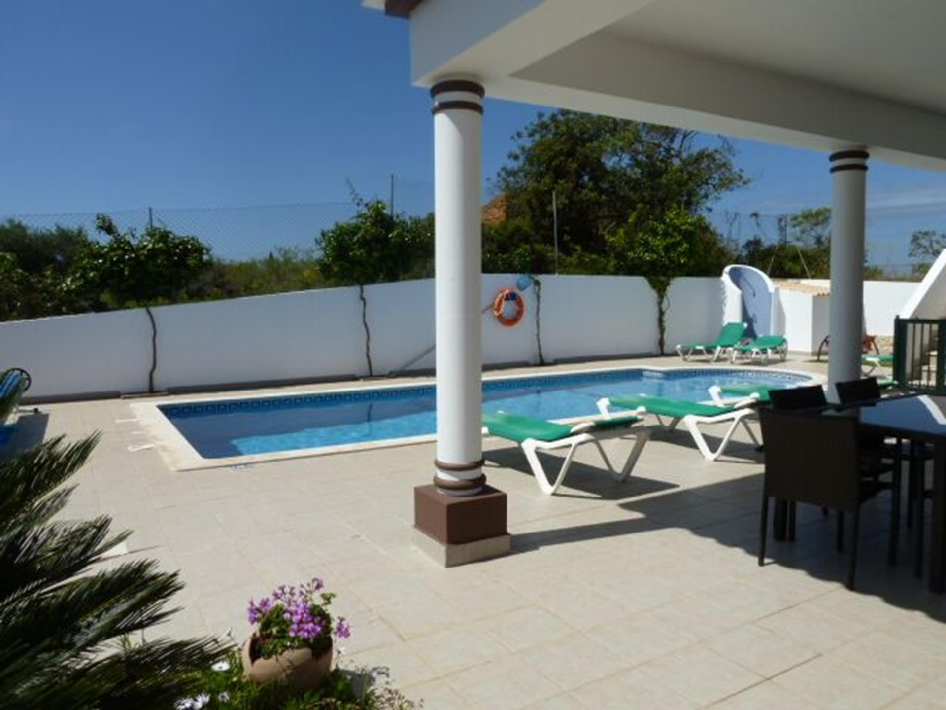 All round great views of this superb, spacious 4 bedroom quality villa.