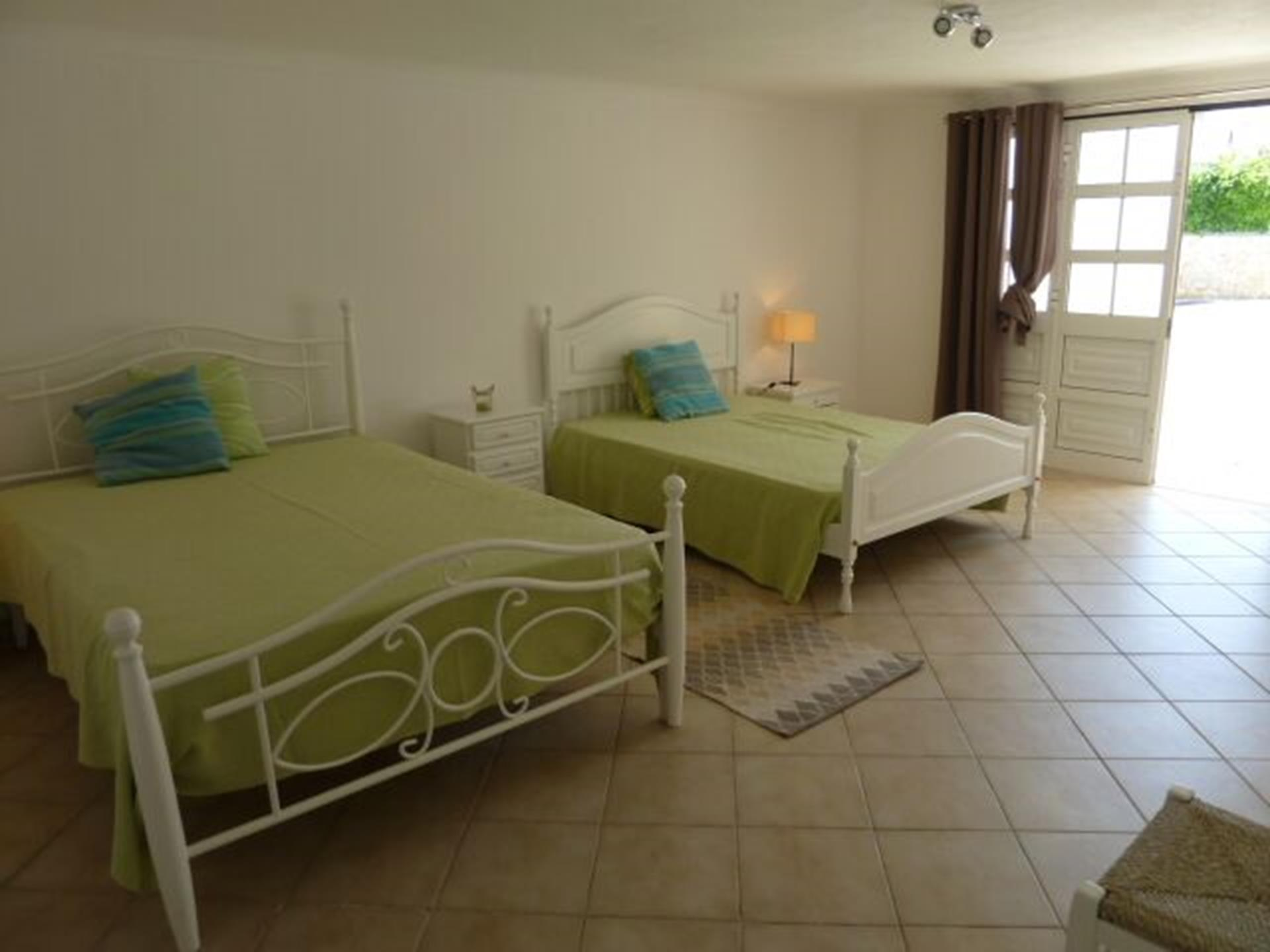 Very spacious, light, bright & totally private 4th bedroom with private bathroom