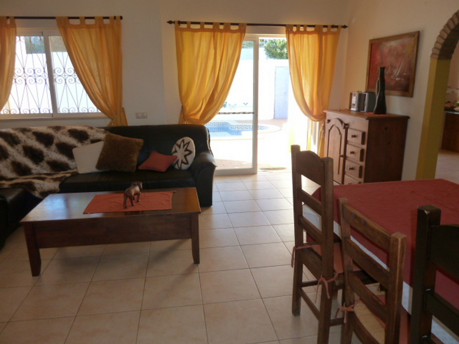 Villa Ana's comfortable & spacious lounge/diner enjoys great all round views.