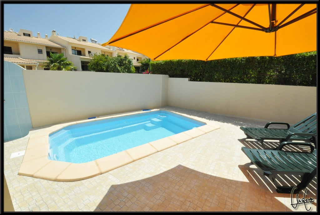 A very sunny villa with a private pool, very large & spacious terraces spaces.