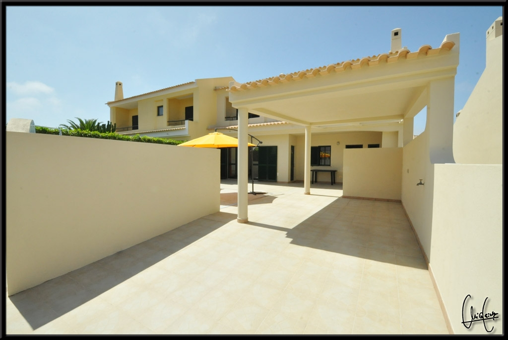 Outdoor BBQ with very spacious & sunny terraces, private pool &  private parking