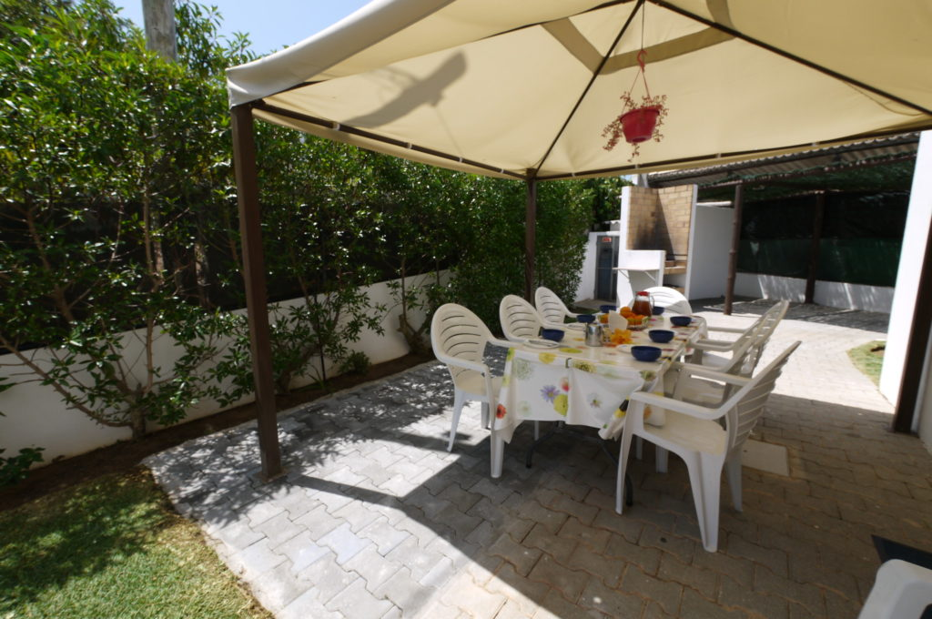 Very relaxing, private and enjoyable villa, with easy walks to everything.