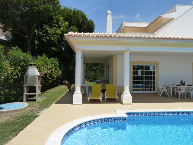 Enjoy, Estrelicia's lovely lawn areas, terraces and BBQ overlooking the pool.