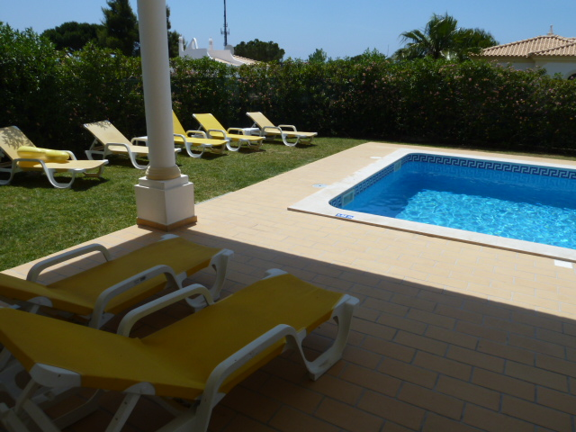 Estrelicia. Very private, relaxing sunbathing areas with terrace sound system.