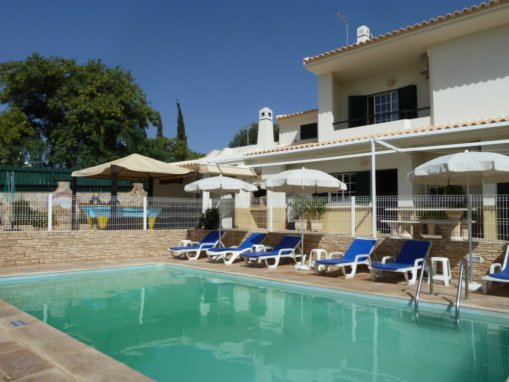Beautiful, 5 bedroom villa air-conditioning, great Albufeira central location.