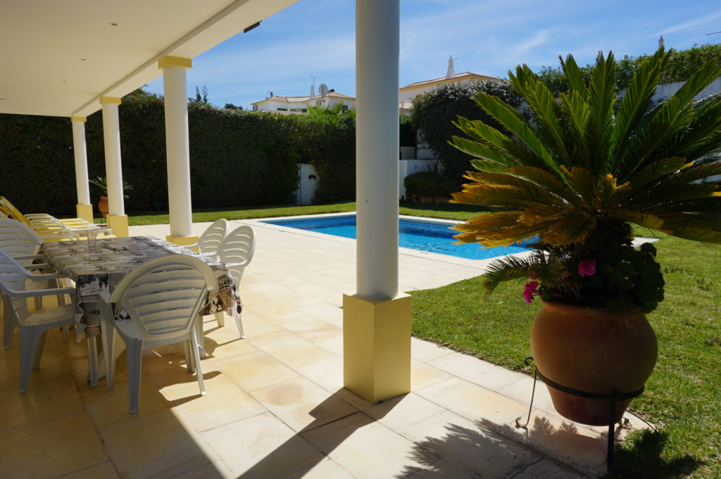 All round great views of extensive gardens & plants from the very spacious pool terrace.
