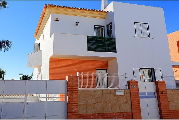 Villa Oliveira.