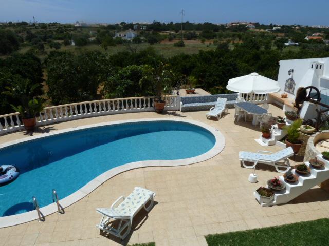 Villa Pateo, spacious and beautiful pool area.